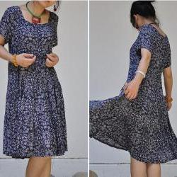 Cotton pumping with waist broken pleated short sleeve swing dress